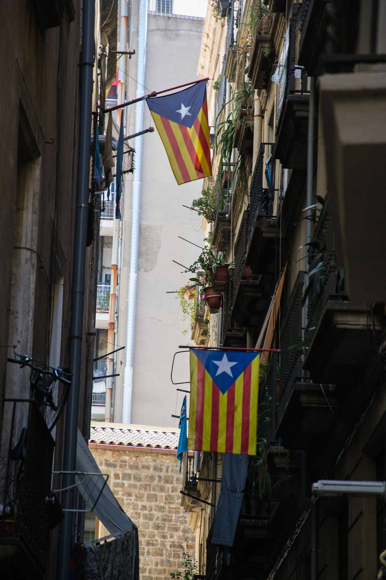 Why the referendum on Catalan independence is illegal